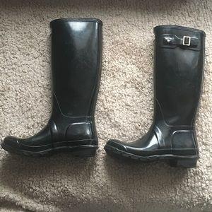 Hunter boots (glossy black)